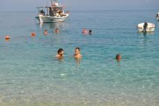 Apa cristalina la plaja Agias Nikitas Lefkada