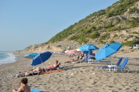 Sezlong-uri plaja Gialos Lefkada