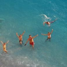 Distractie la plaja Plaja Porto Katsiki Lefkada