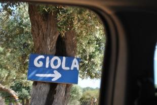 Indicatorul spre Giola din drumul principal Thassos