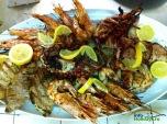 Un platou care impaca toate gusturile: creveti (garides), caracatita, calamari, filet de pui, friptura de porc.....