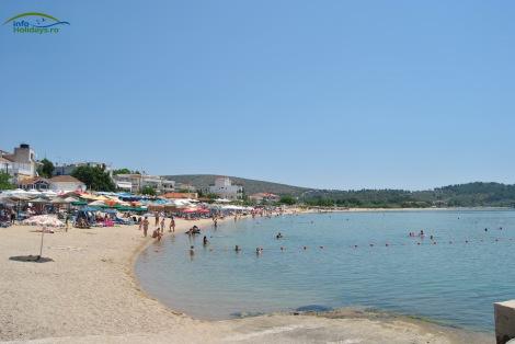 Plaja statiunii Potos