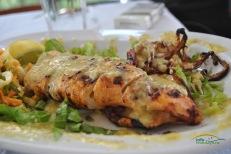 Kalamarul este tot timpul o alegere potrivita! Varianta la gratar, mult mai sanatoasa, este preferta de cei care cunosc gustul delicios al acestui preparat. Incercati Kalamarul la gratar!