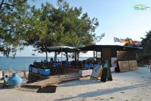 Plaja Metalia Insula Thassos - Beach bar-ul ce deserveste plaja. Au muzica buna!