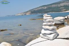 Plaja Aliki - fosta cariera de marmura