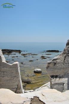 Plaja Aliki - cariera de marmura