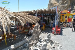 Embros Thermae Kos - Plaja amenajat cu beach bar , sezlong-uri si umbrelute