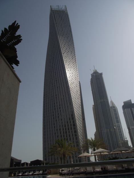 Twisted Tower - o structura complexa unica in lume ce intoarce toate privirile si pune pe buzele tuturor intrebarea: Cum este posibil? In Dubai este posibil! :)