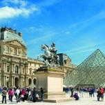Louvre Museum - Pyramide