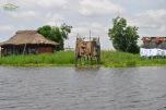 Benin - Ganvie - toalete specifice zonei