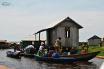 Benin - Ganvie - la cumparat de apa!