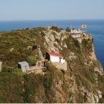 Muntele Athos - Lavre situate langa grota Sfantului Athanasie Athonitul